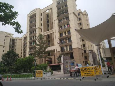 Gallery Cover Image of 1450 Sq.ft 3 BHK Apartment for rent in Purvanchal Silver City, Sector 93 for 25000
