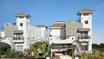 Gallery Cover Image of 4500 Sq.ft 5 BHK Villa for buy in Radha Maple Town, Bandlaguda Jagir for 21000000