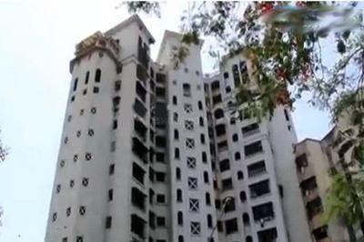 Gallery Cover Image of 960 Sq.ft 3 BHK Apartment for buy in Shree Adinath Towers, Borivali East for 16000000