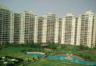 Gallery Cover Image of 1666 Sq.ft 2 BHK Apartment for rent in Central Park Resorts, Sector 48 for 50000