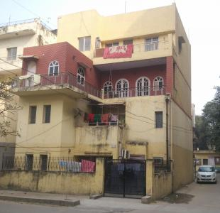 Gallery Cover Image of 2200 Sq.ft 5 BHK Apartment for rent in Flats Mayur Vihar Phase 1, Mayur Vihar Phase 1 for 50000