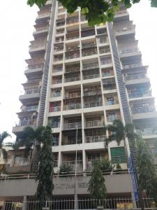 Gallery Cover Image of 840 Sq.ft 2 BHK Apartment for buy in Satyam Heights, Andheri West for 17000000