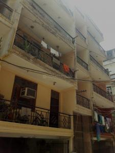 Gallery Cover Image of 1000 Sq.ft 3 BHK Apartment for buy in Media Apartment, Jamia Nagar for 4700000