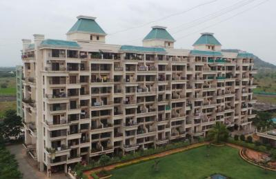 Gallery Cover Image of 1200 Sq.ft 2 BHK Apartment for rent in Regency Meadows, Dhanori for 20000