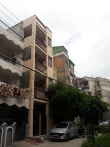 Gallery Cover Image of 500 Sq.ft 1 BHK Independent Floor for rent in Vinoba Puri, Lajpat Nagar for 17000