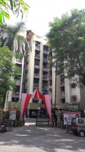 Gallery Cover Image of 660 Sq.ft 2 BHK Apartment for rent in Lokhandwala Alica Nagar, Kandivali East for 25000
