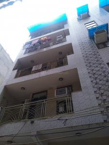 Gallery Cover Image of 2000 Sq.ft 4 BHK Apartment for buy in Ganpati Apartment, Sector 9 Dwarka for 17000000