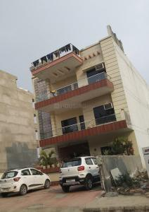 Gallery Cover Image of 1050 Sq.ft 3 BHK Independent Floor for rent in Kathuria Floors, P-56, BPTP Elite Floors, Sector 75 for 9000