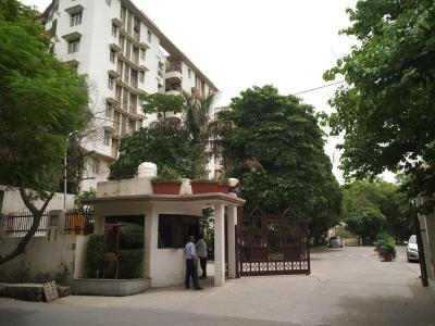 Gallery Cover Image of 1650 Sq.ft 3 BHK Apartment for rent in Huda PWO Apartments, Sushant Lok I for 35000