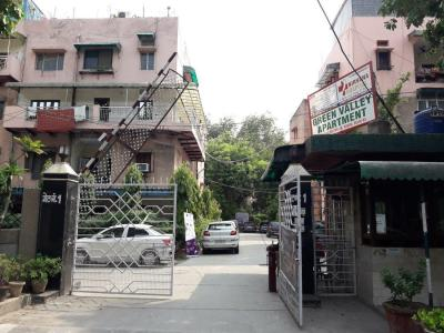 Gallery Cover Image of 360 Sq.ft 1 RK Apartment for rent in Green Valley Apartment, Janakpuri for 12000