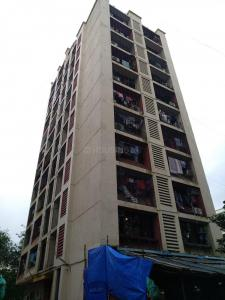 Gallery Cover Image of 680 Sq.ft 1 BHK Apartment for buy in Golden Tower, Santacruz East for 16500000