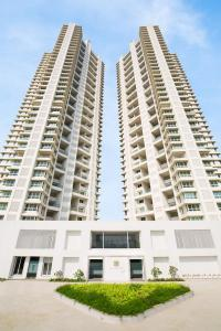 Gallery Cover Image of 1985 Sq.ft 4 BHK Apartment for buy in Ashford Royale, Mulund West for 51400000