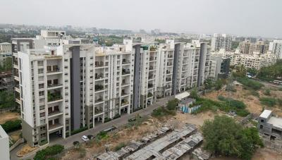 Gallery Cover Image of 3000 Sq.ft 4 BHK Apartment for rent in Marvel Diva 1, Magarpatta City for 55000