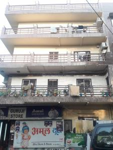 Gallery Cover Image of 700 Sq.ft 2 BHK Independent Floor for rent in DDA Flat, Tri Nagar for 13500