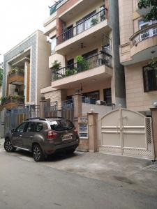 Gallery Cover Image of 2500 Sq.ft 4 BHK Independent Floor for rent in N 119, Greater Kailash I for 80000