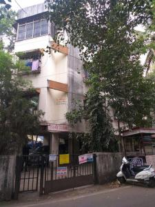 Gallery Cover Image of 700 Sq.ft 2 BHK Apartment for rent in Laxmi Niwas, Kothrud for 18000