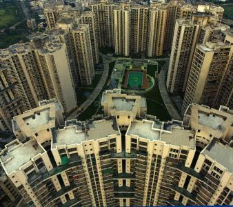 Gallery Cover Image of 2500 Sq.ft 4 BHK Apartment for rent in Amrapali Pan Oasis, Sector 70 for 42000