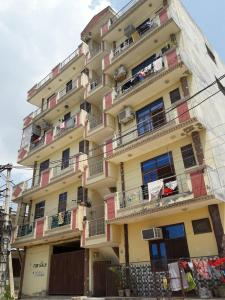 Gallery Cover Pic of Aashiana Apartment