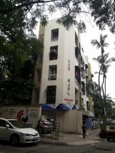 Gallery Cover Image of 460 Sq.ft 1 BHK Apartment for buy in Geetanjali Apartment, Khar West for 20000000