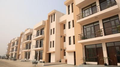 Gallery Cover Image of 1200 Sq.ft 2 BHK Independent Floor for buy in UCHDPL Wave Floors, Wave City for 4500000