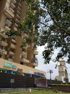 Gallery Cover Image of 1250 Sq.ft 2 BHK Apartment for rent in Migsun Green Mansion, Surajpur for 12500
