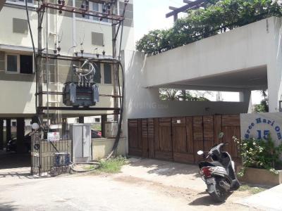 Gallery Cover Image of 600 Sq.ft 2 BHK Apartment for rent in  Lakshmi Apartments Kottivakkam, Kottivakkam for 10000