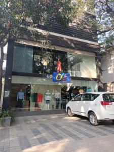 Shops Image of 0 - 1675 Sq.ft 3 BHK Apartment for buy in Swaraj Highness Residency