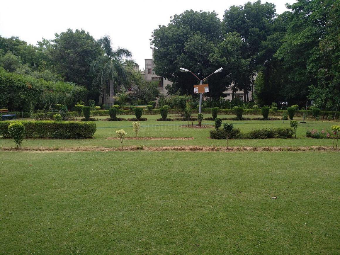Parks Image of 0 - 2050.0 Sq.ft 3 BHK Apartment for buy in Reputed Prerna Apartment
