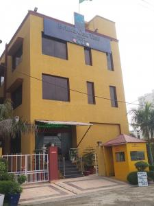 Schools & Universities Image of 1000 Sq.ft 1 RK Independent House for rent in Sector 57 for 10300