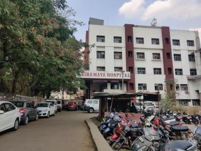 Hospitals & Clinics Image of 641.74 - 2329.09 Sq.ft 2 BHK Apartment for buy in Empire Square