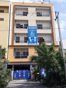 Schools &Universities Image of 1278.0 - 2259.0 Sq.ft 2 BHK Apartment for buy in Lodha Meridian