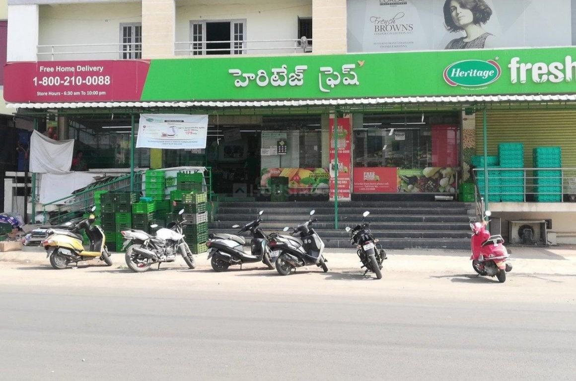 Groceries/Supermarkets Image of 635 Sq.ft 1 BHK Apartment for buy in Kondapur for 3600000