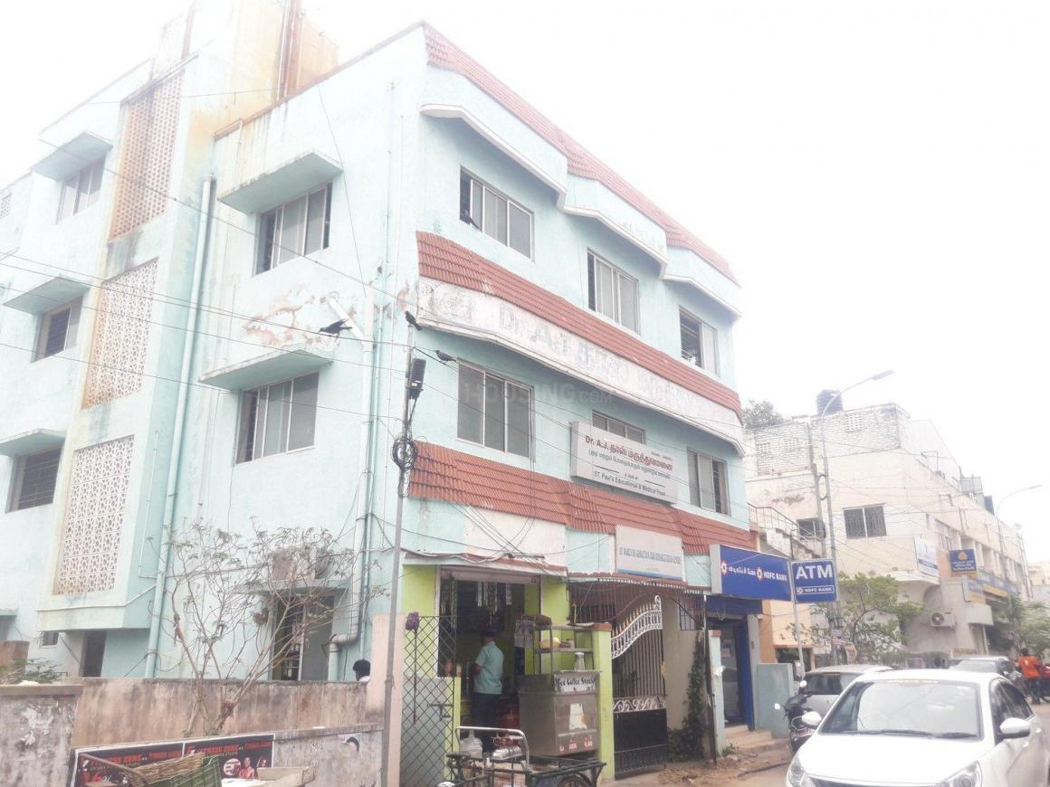 Hospitals & Clinics Image of 1200 Sq.ft 1 BHK Independent House for buyin Valasaravakkam for 9800000