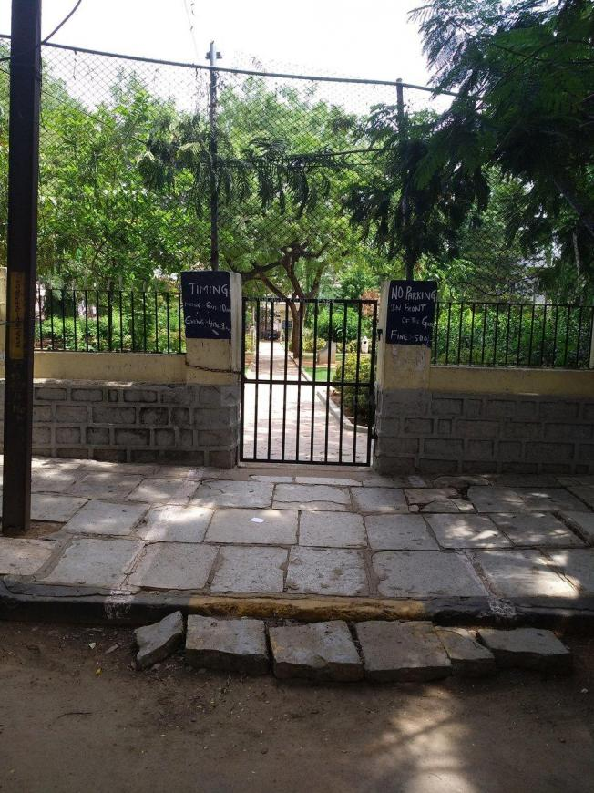 Parks Image of 1600 Sq.ft 3 BHK Independent House for buy in Mehdipatnam for 20000000