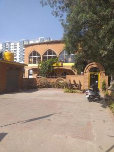 Food & Drinks Section Image of 3150.0 - 3500.0 Sq.ft 4 BHK Apartment for buy in Saran Mulberry Woods