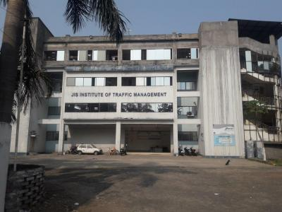 Schools & Universities Image of 1400 Sq.ft 3 BHK Apartment for buy in South Dum Dum for 6800000