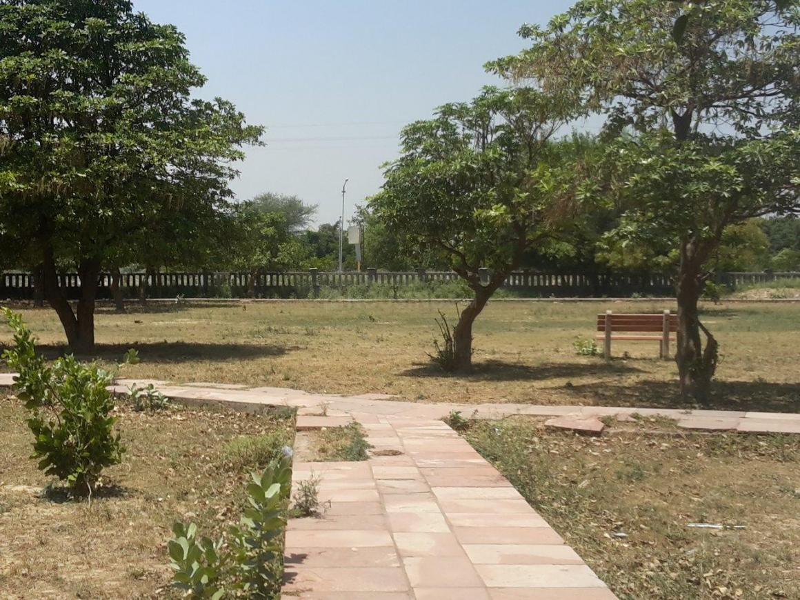 Parks Image of 5382 Sq.ft 2 BHK Independent House for buy in Sigma II for 10500000