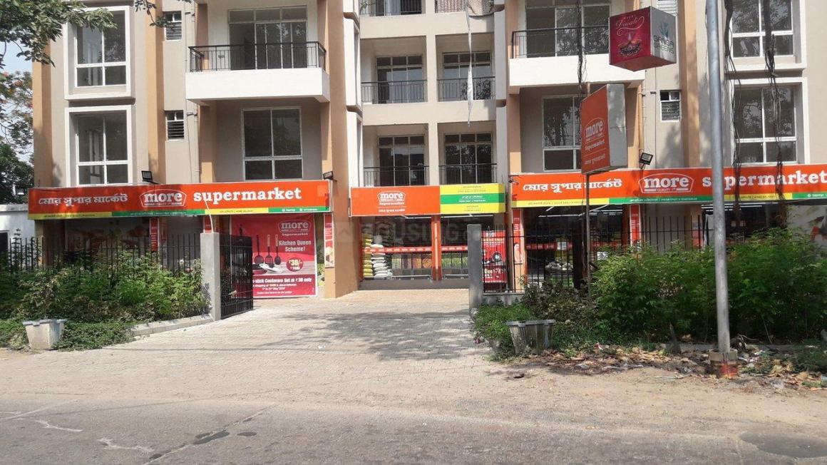 Shops Image of 1150 Sq.ft 3 BHK Apartment for rent in Uttarpara for 16000