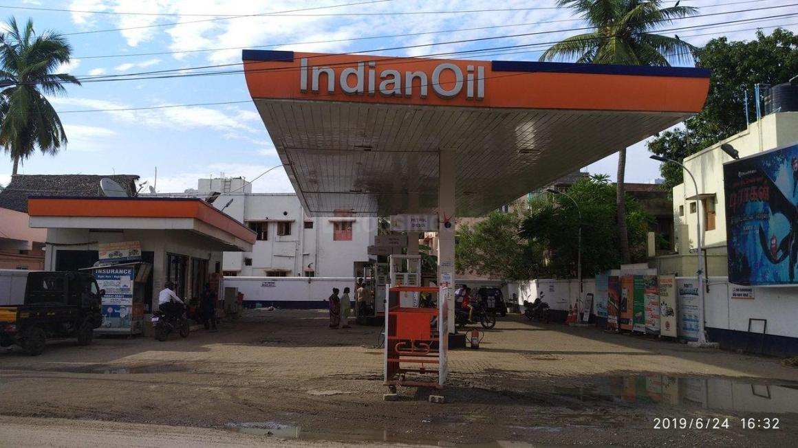 Petrol Pumps Image of 1100 Sq.ft 2 BHK Independent Floor for buy in Pammal for 4700000