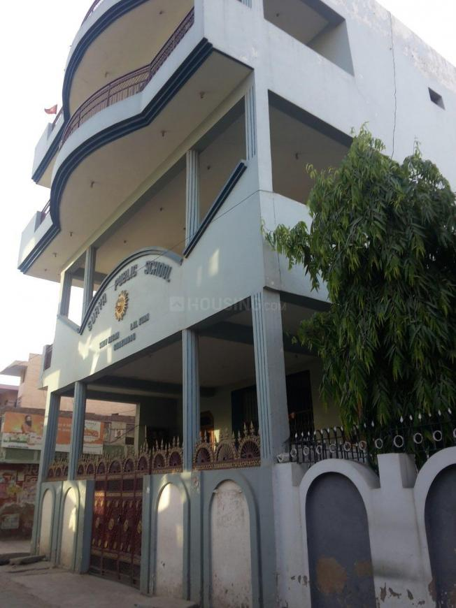Schools & Universities Image of 450 Sq.ft 1 BHK Independent House for buy in Lal Kuan for 1800000