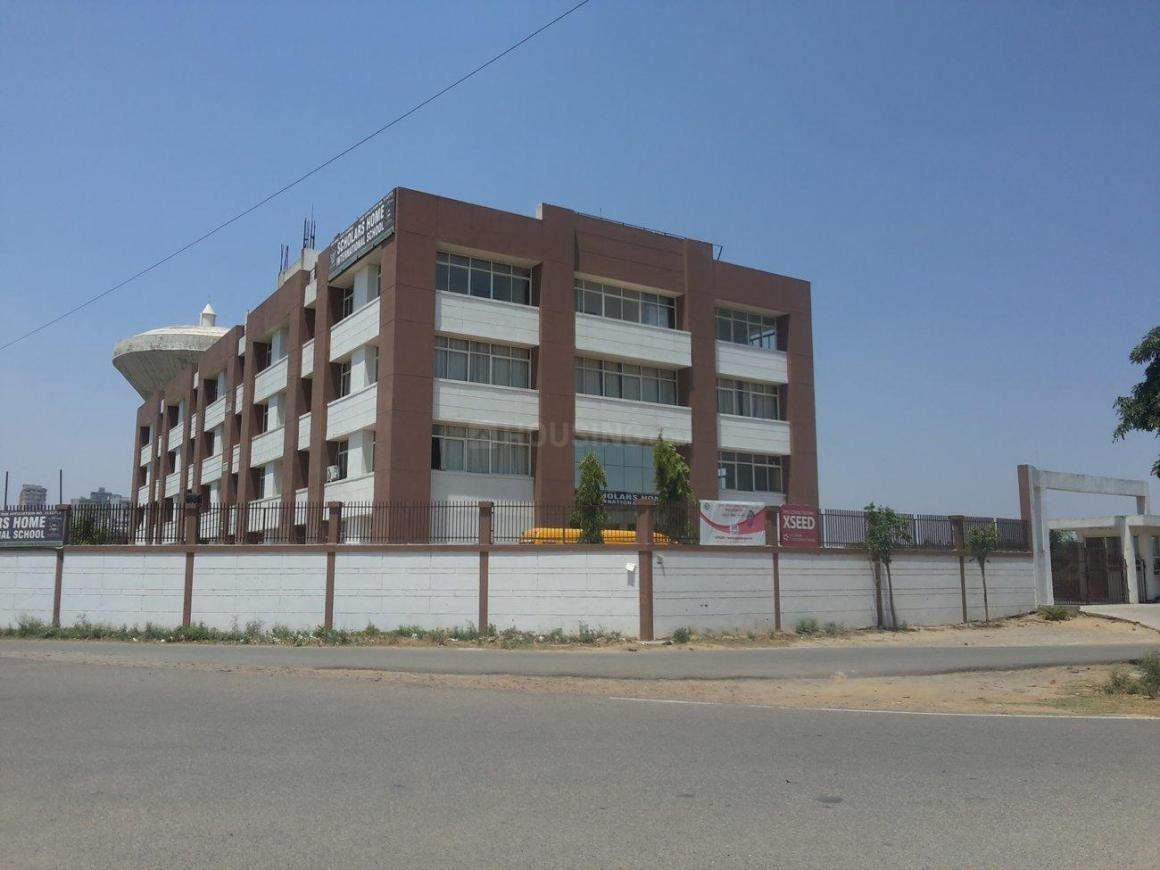 Schools & Universities Image of 1300 Sq.ft 3 BHK Independent Floor for buy in Omicron I Greater Noida for 4200000