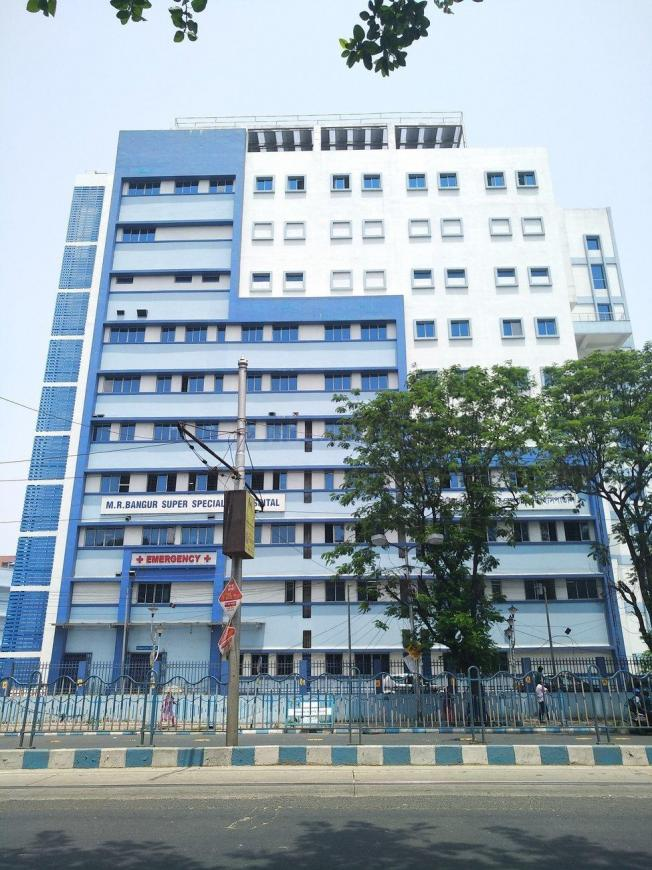 Hospitals & Clinics Image of 566 Sq.ft 1 BHK Apartment for buyin Tollygunge for 1584800