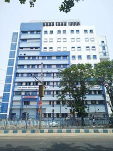 Hospitals & Clinics Image of 967.0 - 1601.0 Sq.ft 2 BHK Apartment for buy in Swastic Group Southern