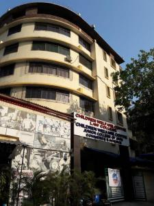 Schools & Universities Image of 430 Sq.ft 1 BHK Apartment for buy in Sheth Auris Ilaria, Malad West for 8500000