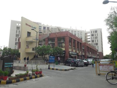 Shopping Malls Image of 0 - 2160.0 Sq.ft 3 BHK Independent Floor for buy in Right Woodstore Floors