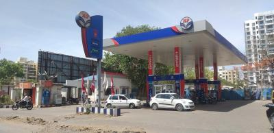 Petrol Pumps Image of 430.88 - 685.66 Sq.ft 1 BHK Apartment for buy in Gulmohar Notting Hill Phase II