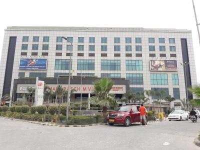 Shopping Malls Image of 1800 Sq.ft 3 BHK Independent Floor for rent in Paschim Vihar for 30000