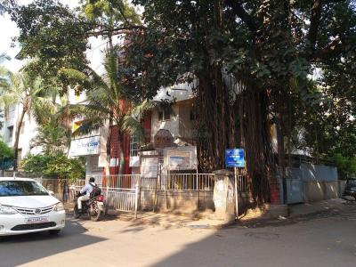 Schools & Universities Image of 600 Sq.ft 2 BHK Apartment for buy in Sadar Bazaar for 7500000