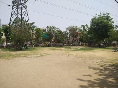 Parks Image of 800 Sq.ft 3 BHK Apartment for buy in Hosing board colony, Sector 55 for 2100000