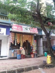 Groceries/Supermarkets Image of 595 Sq.ft 1 BHK Apartment for buy in Raj Shree Nirman Krishna Horizon, Nalasopara West for 1600000